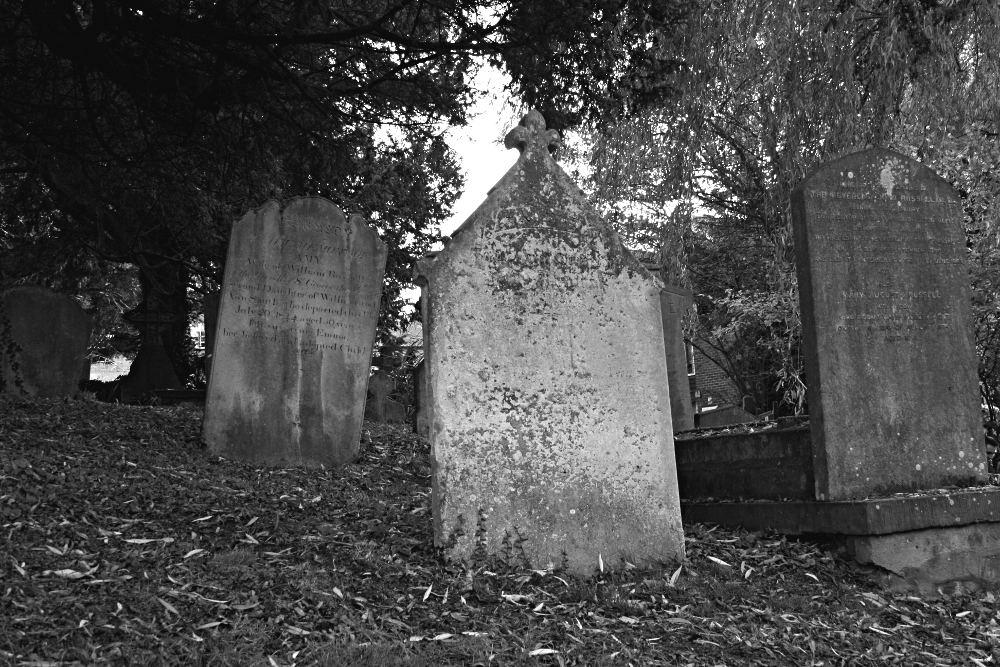 graveyard-b_w